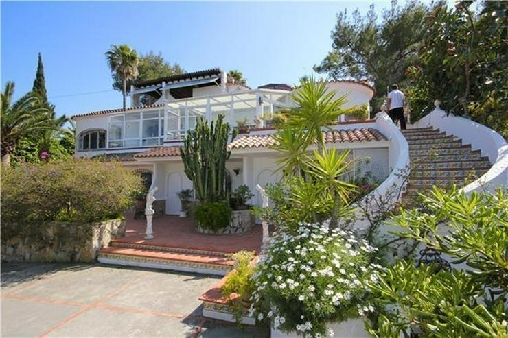 Stadtnahe Villa, privat gelegen mit Pool, Sauna, Jacuzzi und vielen Extras in Javea - Haus kaufen - Bild 1