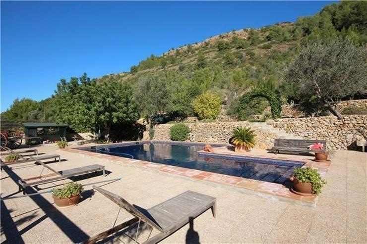 Bild 2: Traumhafte Finca mit Gästehaus nahe Denia, Patio, BBQ, Pool, ZH, Klimaanlage, Kamin, u.v....