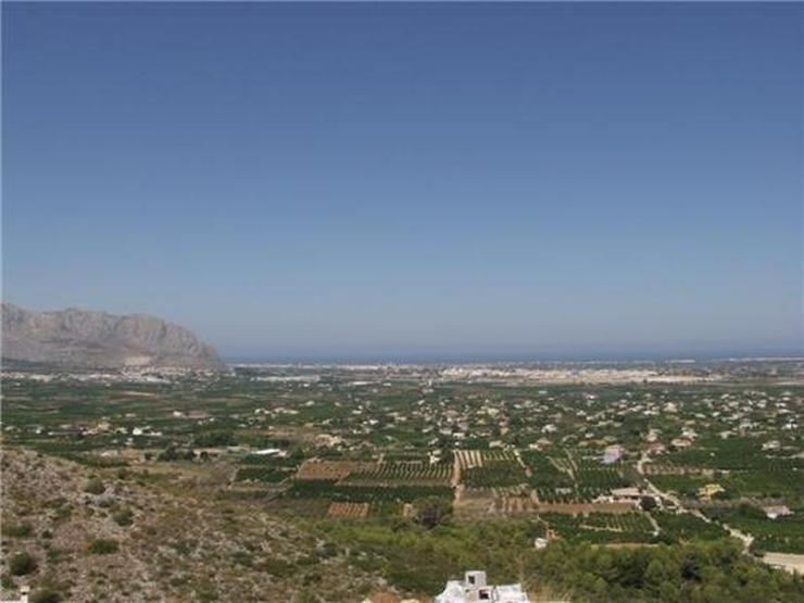 Bild 3: Traumgrundstück mit unverbaubarer Meersicht am nahezu höchsten Punkt des Monte Solana