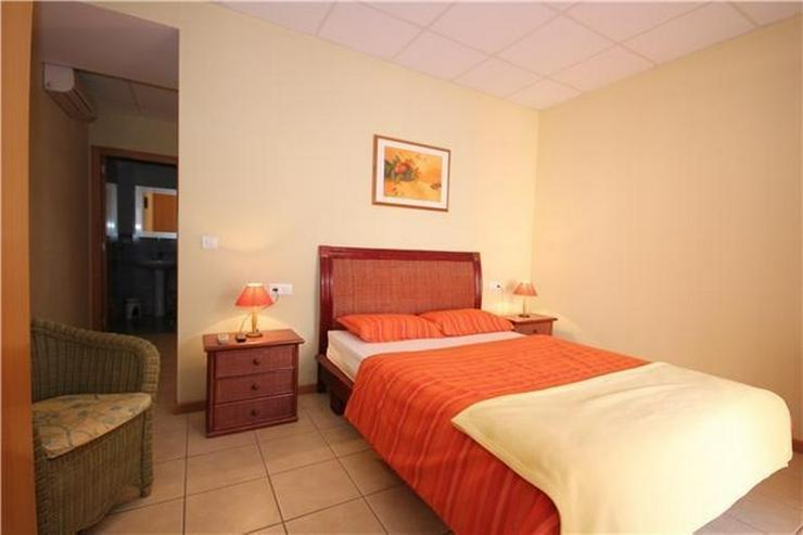 Bild 5: Kapitalanlage - Existenzgründung: Hostal mit Gästewohnungen nur 100 Meter vom Strand ent...