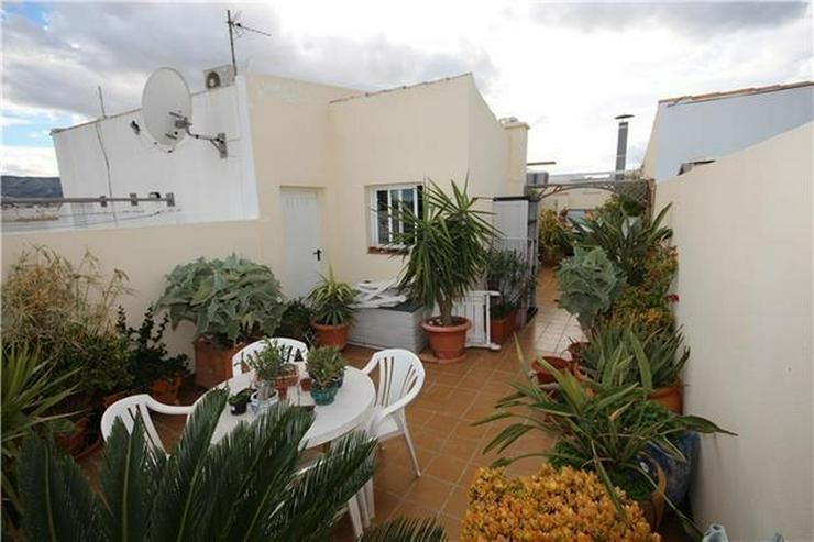 Bild 4: Schöne Penthauswohnung mit 3 Schlafzimmern, 2 Bädern, großer Dachterrasse, Jacuzzi, her...