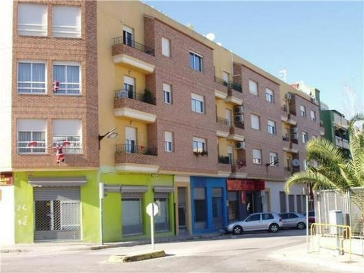Schöne Penthauswohnung mit 3 Schlafzimmern, 2 Bädern, großer Dachterrasse, Jacuzzi, her... - Wohnung kaufen - Bild 1