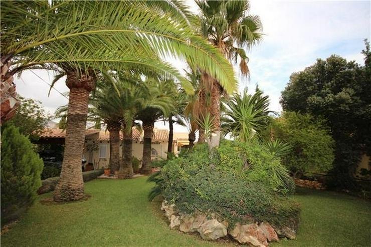 Bild 3: Wunderschöne Villa mit 5 SZ, ZH, Pool, BBQ, Carport in Altea, einzigartiger Meerblick