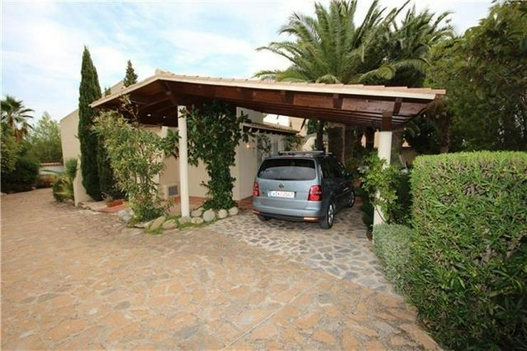 Bild 2: Wunderschöne Villa mit 5 SZ, ZH, Pool, BBQ, Carport in Altea, einzigartiger Meerblick