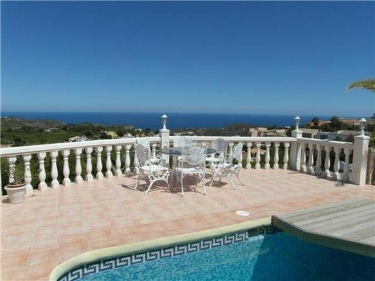 Bild 2: Großzügige Villa am Cumbre de Sol mit 4 SZ, Pool, Garage, Sauna, Meersicht