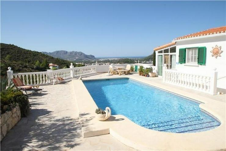 Private Villa in Pedreguer mit Einliegerwohnung, Pool und fantastischen Blicken auf das Me... - Bild 1