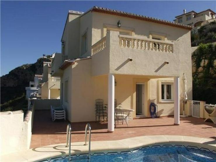 Bild 2: Attraktive Villa mit 3 Schlafzimmern, Pool und fantastischer Meersicht am Monte Pedreguer