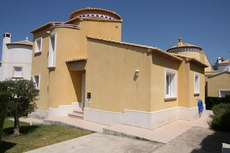 Reizvolle, neuwertige Villa mit Gemeinschaftspool im La Sella Golf Resort - Haus kaufen - Bild 1
