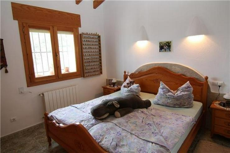 Bild 5: Attraktive, sehr gepflegte Villa mit schönem Panoramablick auf die Berge und das Meer am ...