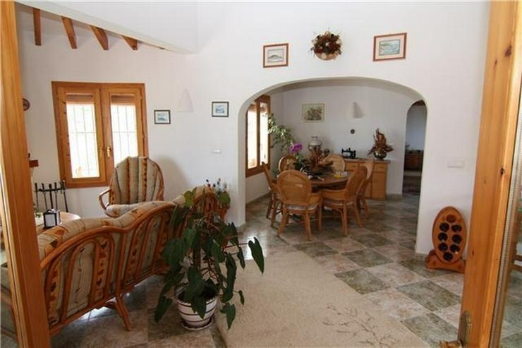 Bild 3: Attraktive, sehr gepflegte Villa mit schönem Panoramablick auf die Berge und das Meer am ...