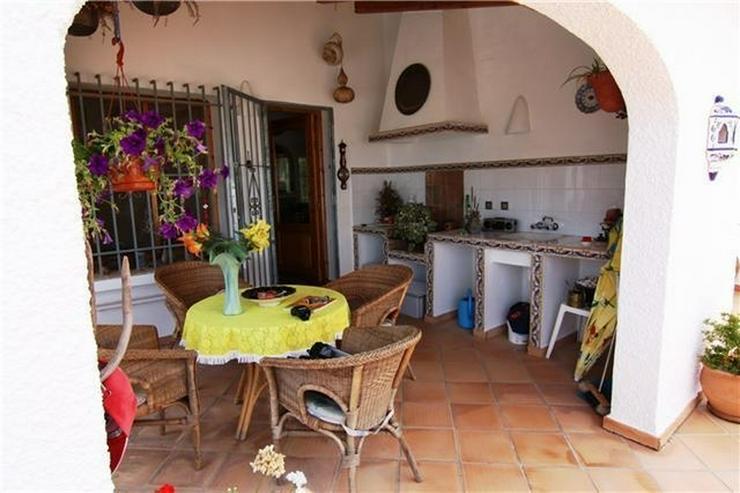 Bild 2: Attraktive, sehr gepflegte Villa mit schönem Panoramablick auf die Berge und das Meer am ...