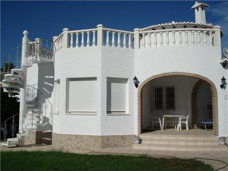 Bild 2: Ausbaufähige Villa mit kleinem Appartement, Carport, Pool, gr. Eckgrundstück in Els Pobl...