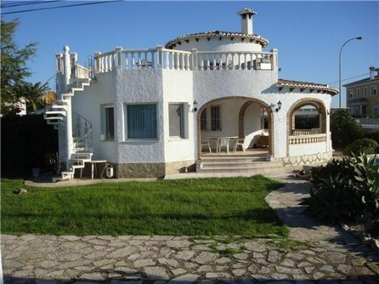 Bild 4: Ausbaufähige Villa mit kleinem Appartement, Carport, Pool, gr. Eckgrundstück in Els Pobl...