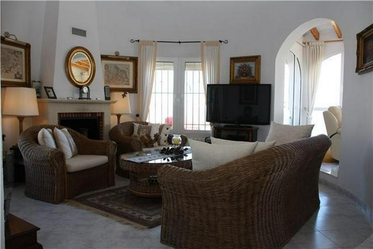 Bild 6: Schöne 4 SZ Villa mit Pool, wunderschöner Aussicht und grosser Einliegerwohnung in Monte...
