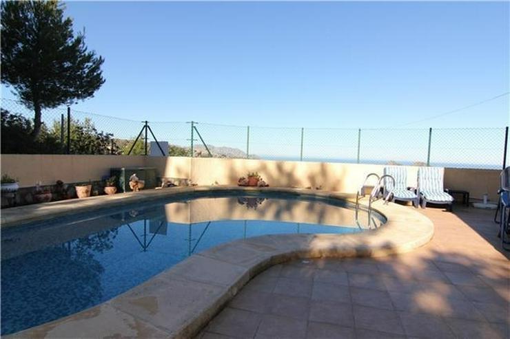 Bild 4: Gepflegte 3 SZ Villa mit 2 BZ, Klima, ZH, Kamin, Stellplatz, Pool und schönem Meerblick