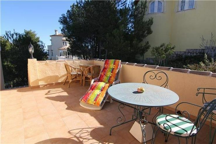 Bild 5: Gepflegte 3 SZ Villa mit 2 BZ, Klima, ZH, Kamin, Stellplatz, Pool und schönem Meerblick