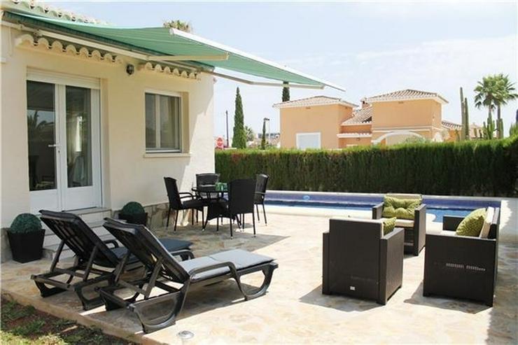 Bild 3: Neuwertige Villa mit Pool u. vielen Extras, sonniges Eckgrundstück, Carport nur 400 Meter...
