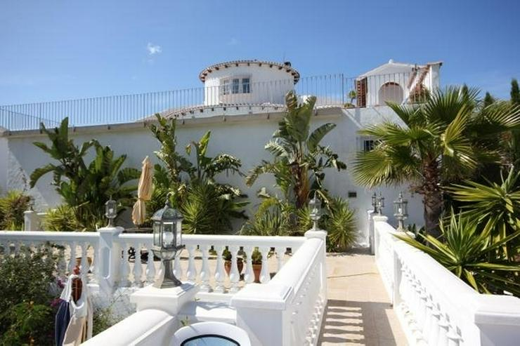 Bild 4: Großzügige Villa mit 2 WE, 6 SZ, 3 BZ, Klima, 12 x 6 m Pool und traumhaftem Bergblick