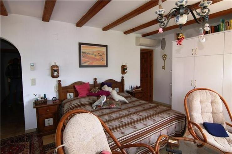 Bild 5: Villa mit 3 SZ und großem Grundstück nur ein paar Minuten zu Fuß von Els Poblets.
