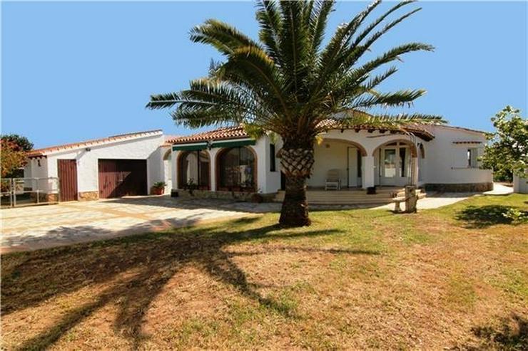 Villa mit 3 SZ und großem Grundstück nur ein paar Minuten zu Fuß von Els Poblets. - Haus kaufen - Bild 1