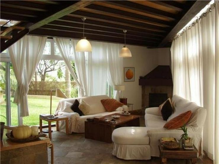 Bild 6: Luxuriöse Designervilla mit Pool in herrlicher Süd-West Lage mit schönem Panoramaausbli...