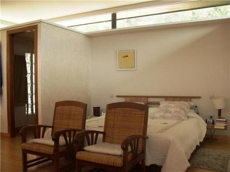 Bild 4: Luxuriöse Designervilla mit Pool in herrlicher Süd-West Lage mit schönem Panoramaausbli...