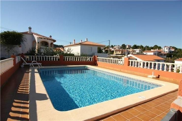Bild 2: Gepflegte Villa in ruhiger und sonniger Lage mit fantastischer Aussicht auf das Meer