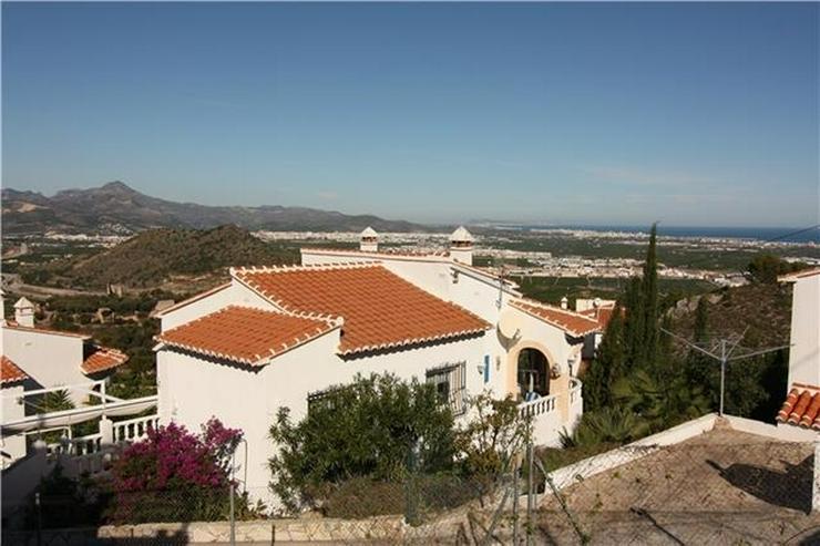 Gepflegte Villa in ruhiger und sonniger Lage mit fantastischer Aussicht auf das Meer - Haus kaufen - Bild 1