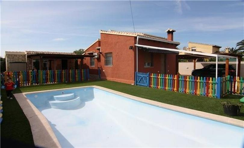 Dorfnahe Villa in Top renoviertem Zustand mit Pool - Haus kaufen - Bild 1