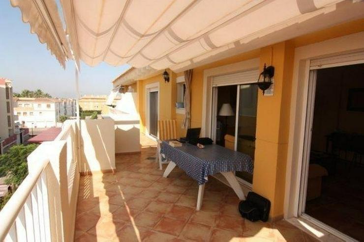 Bild 4: Strandnahe Penthouse Wohnung mit Gemeinschaftspool und Panoramablick