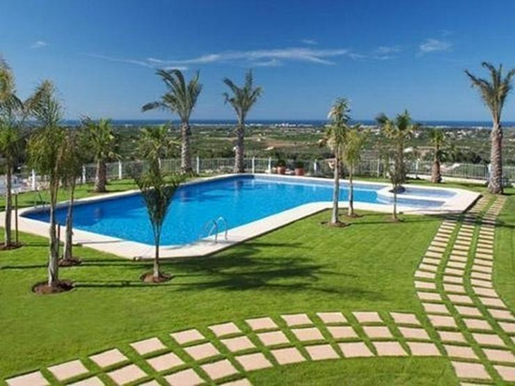 Bild 2: Exklusives Luxusappartement mit paradiesischem Meerblick und Gemeinschaftspool