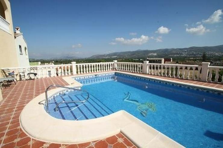 Bild 5: Villa mit 3 Schlafzimmern und unwiderstehlicher Aussicht auf das Orba Tal