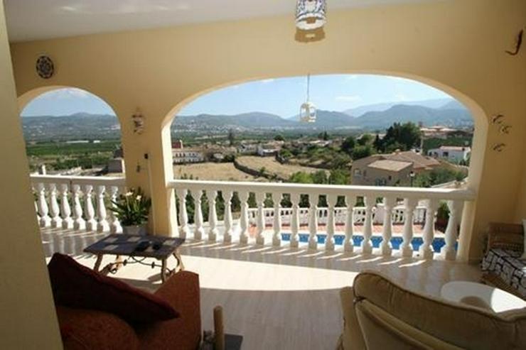 Bild 6: Villa mit 3 Schlafzimmern und unwiderstehlicher Aussicht auf das Orba Tal