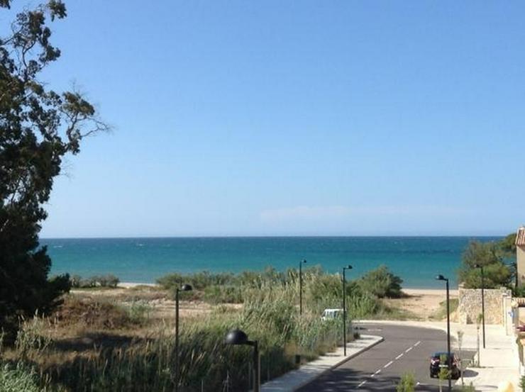 Bild 3: Gepflegtes Apartment mit Gemeinschaftspool in Denia Les Deveses, nur 20 m vom Strand entfe...