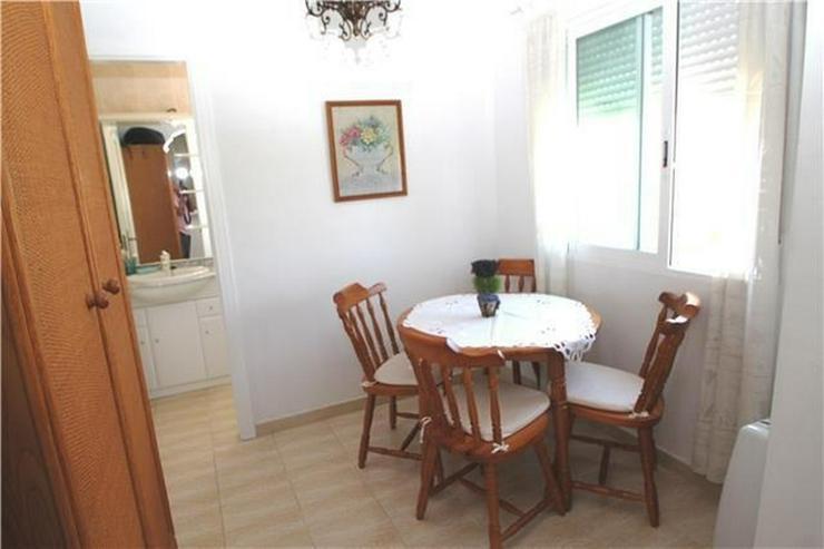 Bild 6: Gepflegtes Apartment mit Gemeinschaftspool in Denia Les Deveses, nur 20 m vom Strand entfe...