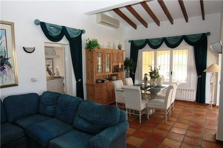 Bild 2: Wunderschöne große Villa am Monte Pego mit 4120qm Grund, 5 SZ, Pool und Meerblick