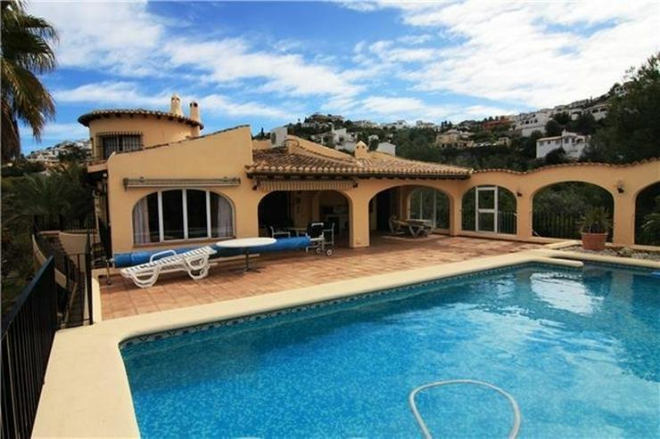Wunderschöne große Villa am Monte Pego mit 4120qm Grund, 5 SZ, Pool und Meerblick - Haus kaufen - Bild 1
