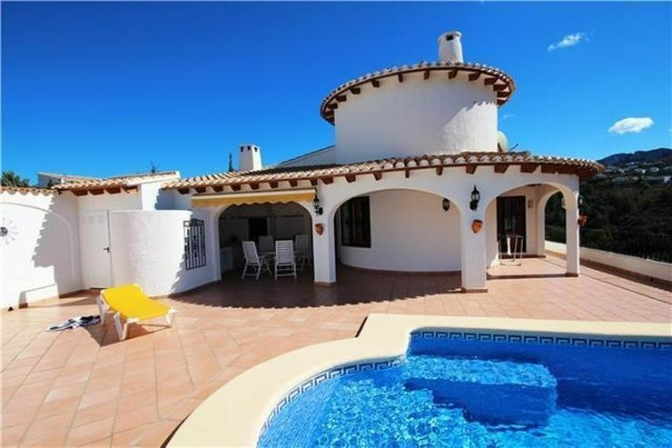 Villa mit Ausbaupotential, großem Grundstück, toller Poolterrasse und Bergsicht am Monte... - Haus kaufen - Bild 1