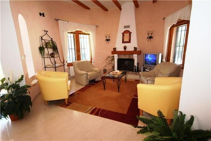 Bild 4: Villa mit Ausbaupotential, großem Grundstück, toller Poolterrasse und Bergsicht am Monte...