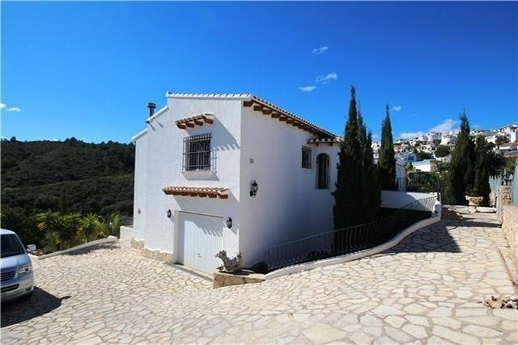 Bild 3: Villa mit Ausbaupotential, großem Grundstück, toller Poolterrasse und Bergsicht am Monte...