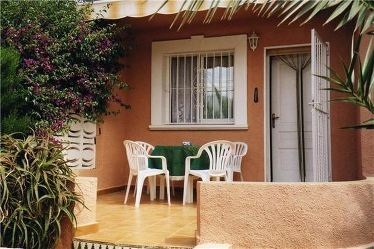 Bild 3: Reihenbungalow mit 2 Schlafzimmern in meernaher Wohnlage von Els Poblets