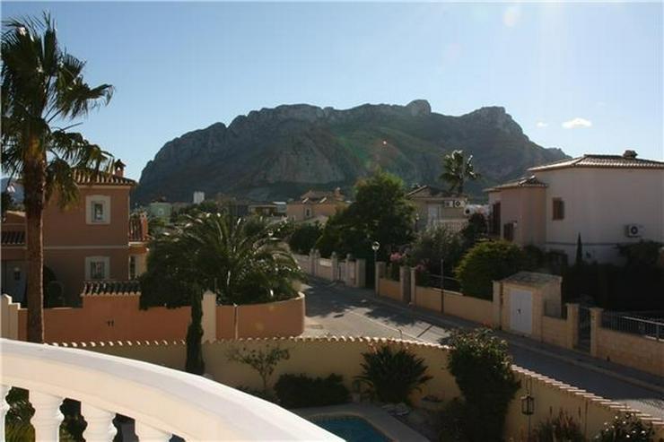 Bild 3: Moderne 2 Schlafzimmervilla mit Pool, auf 603m2 grossem Eckgrundstück in bester Wohnlage ...
