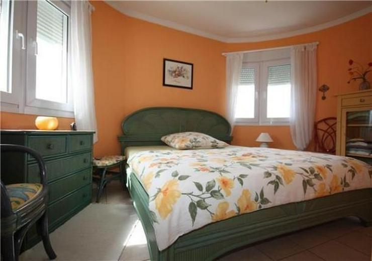 Bild 6: Moderne 2 Schlafzimmervilla mit Pool, auf 603m2 grossem Eckgrundstück in bester Wohnlage ...