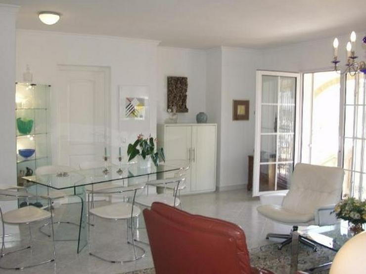 Bild 6: Freistehende Villa mit Gemeinschaftspool, 4-5 SZ, FH, Klimaanlage, Kaminofen, Meersicht na...