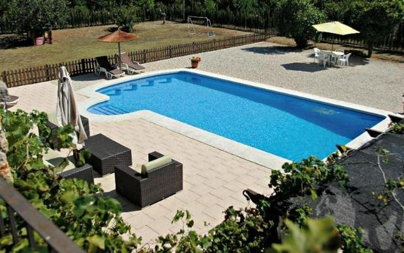 Bild 4: Stilechte 4 Schlafzimmer Villa mit Pool und großem Grundstück inmitten der Orangenplanta...
