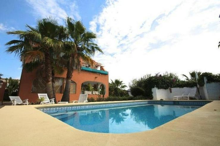 Bild 2: Ansprechende 3 SZ Villa mit sep. Gästeapartment, Pool, Klima, Garage, Kamin in ruhiger La...