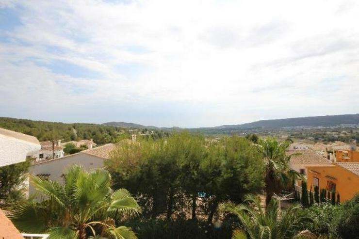 Bild 4: Ansprechende 3 SZ Villa mit sep. Gästeapartment, Pool, Klima, Garage, Kamin in ruhiger La...