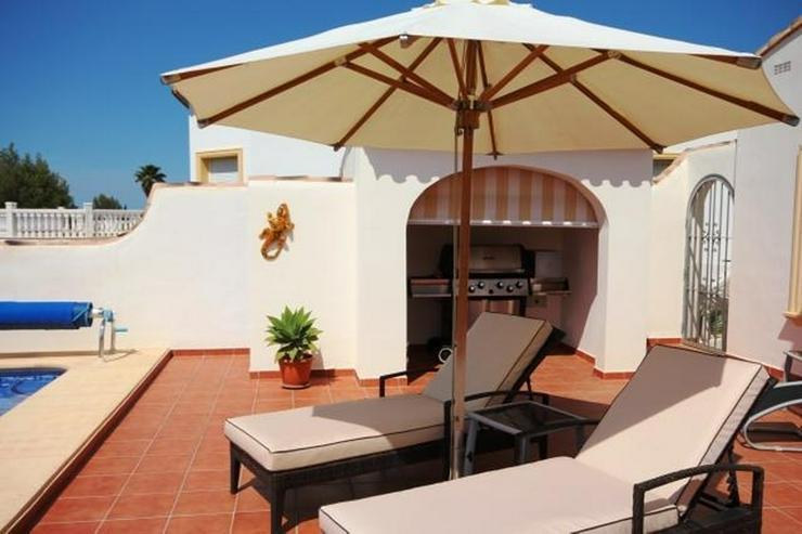 Bild 5: Schöne Villa mit herrlicher Aussicht auf das Meer und die Berge in ruhiger Lage mit Pool ...