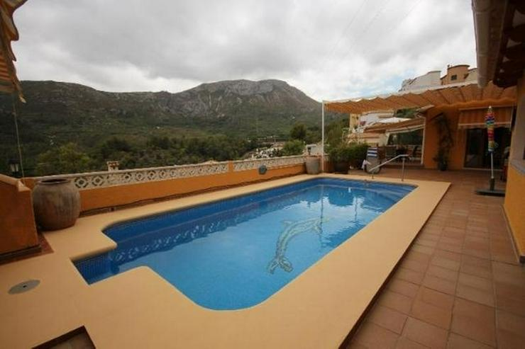 Bild 5: Sehr gepflegte 3 SZ Villa mit Pool, Garage, ZH, Sauna, Jacuzzi, BBQ im Bergidyll Adsubias