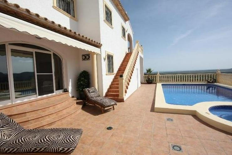 Bild 5: Luxuriöse 5 SZ Villa ideal zum Wohnen und Entertainen mit tollem separatem Gästeapartmen...
